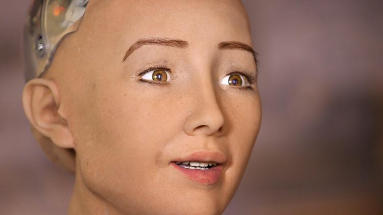 Robot Sophia giống người thật, có khả năng giao tiếp, nhận diện khuôn, biểu cảm trên khuôn mặt...