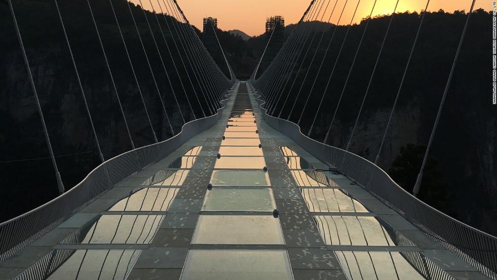Cây cầu kính Zhangjiajie