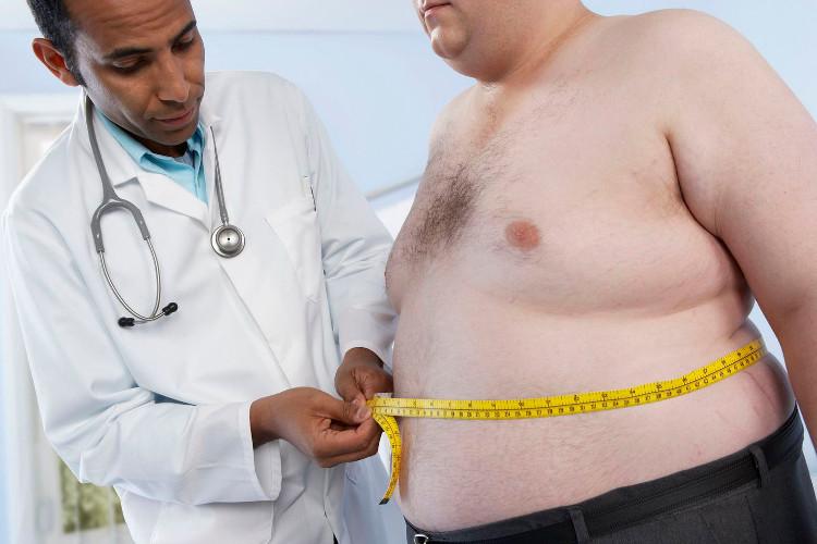 Tỷ lệ giữa eo và hông trên 0,90 là dấu hiệu của bệnh béo phì ở nam giới.