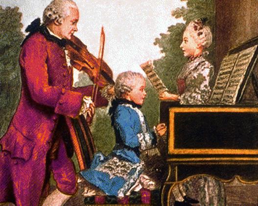 Cha Leopol, chị gái Nannerl và cậu bé Mozart.
