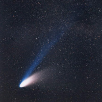 Ngắm đại sao chổi tỏa sáng rực rỡ trên bầu trời suốt 18 tháng