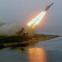 """Lộ diện tên lửa """"thổi bay"""" chiến hạm mạnh nhất thế giới"""