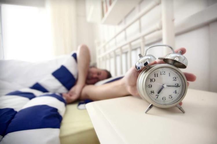 Bạn hoàn toàn có thể biết chính xác nên đi ngủ lúc nào dựa vào thời điểm bắt đầu công việc.