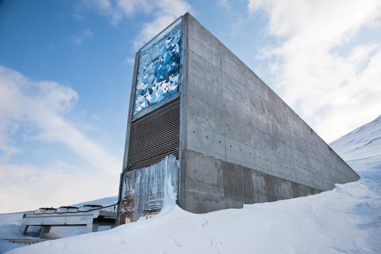 Hầm hạt giống chống tận thế ở Svalbard, Na Uy.