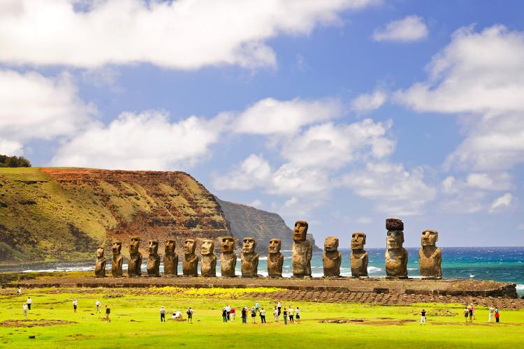Đảo Phục Sinh là một trong những nơi thu hút đông khách du lịch bởi sự huyền bí của mình.