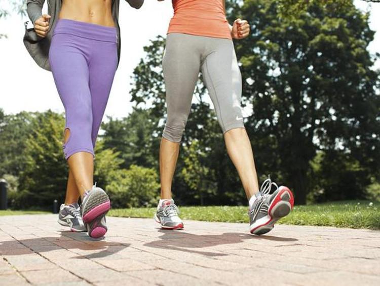 Mỗi bước đi bộ đều giúp chúng ta giảm được nguy cơ bị bệnh tim.