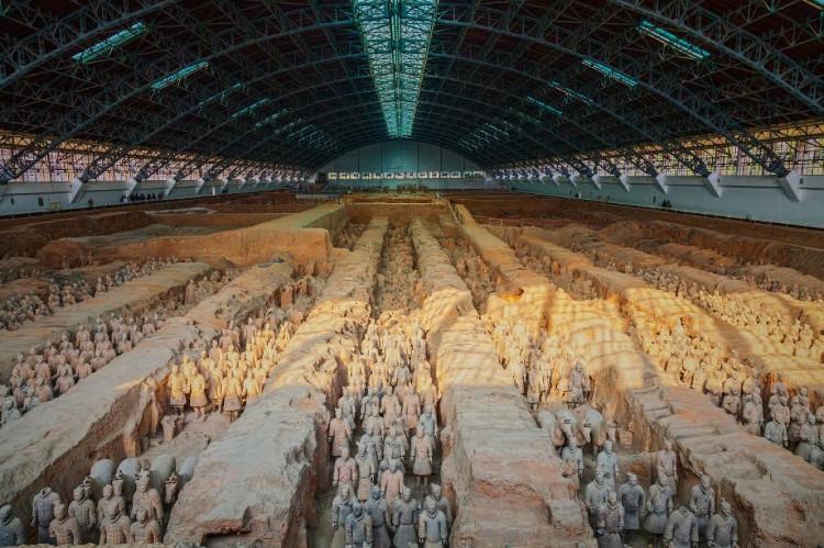 Đội quân đất nung gắn liền với lịch sử oai hùng của vua Tần Thủy Hoàng.