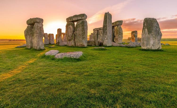 Những cột đá bí ẩn ở nước Anh.