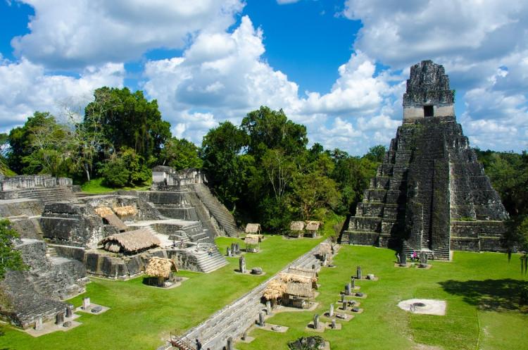 Các kim tự tháp của người Maya tại Guatemala.