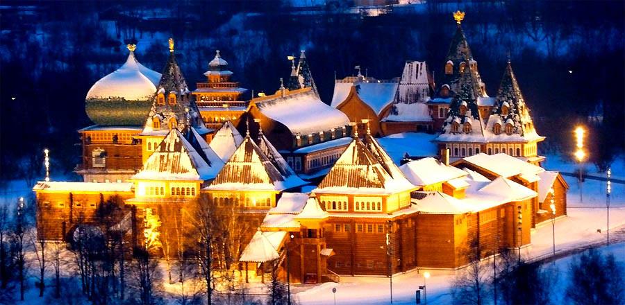 Sa hoàng Tzar Alexey Mikhailovich đã cho xây dựng Cung điện mùa hè ở ven bờ sông Matxcova
