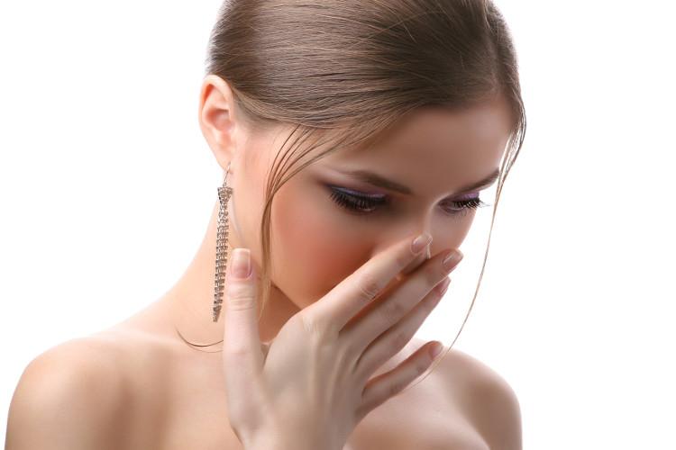 Hôi miệng có thể do mắc bệnh viêm gan B gây ra.