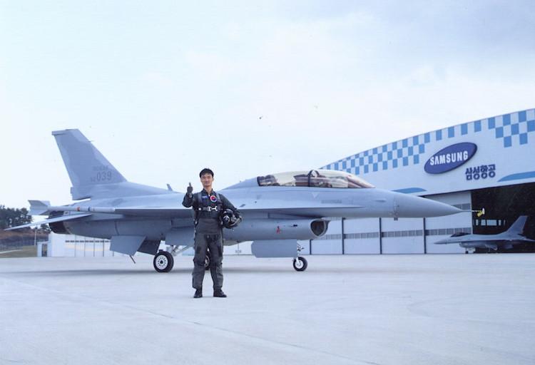 KF-16 được sản xuất theo giấy phép F-16 của Mỹ.