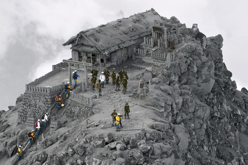 Sakurajima là một trong những núi lửa hoạt động dữ dội nhất Nhật Bản.