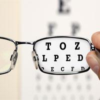 Có phải đeo kính sẽ khiến bạn ngày càng cận nặng thêm?