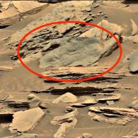 Hình bàn tay khổng lồ trên bề mặt sao Hỏa