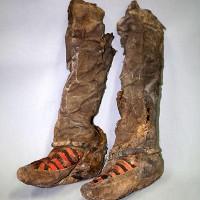 """Xác ướp phụ nữ 1.000 năm đi """"giày thể thao"""" hiện đại"""