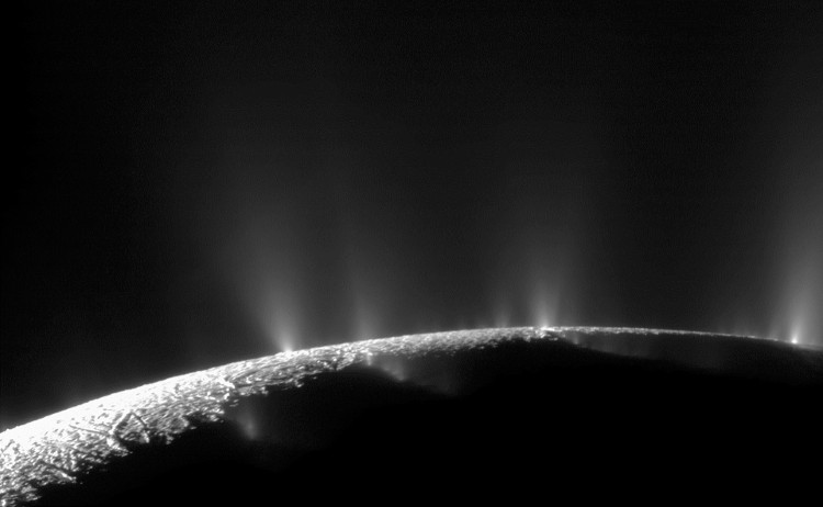 Phát hiện này không khẳng định 1 cách rõ ràng rằng tồn tại sự sống ở trên Enceladus.
