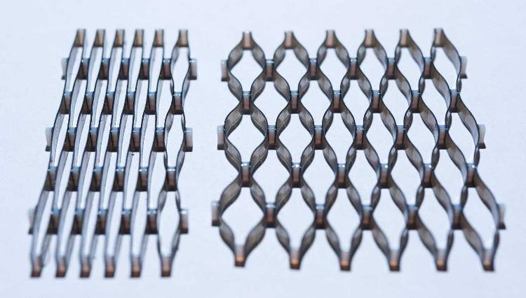 Công nghệ mới này có thể tạo ra mạng vật liệu thay đổi hình dạng khi được gia nhiệt.
