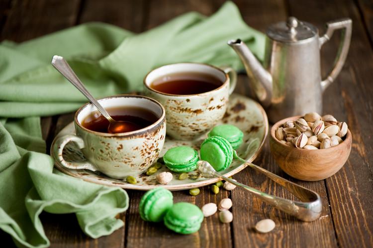 Ngày nay, thực đơn Trà chiều được phục vụ ở Anh và nhiều nơi khác trên thế giới đều được gọi là High Tea.