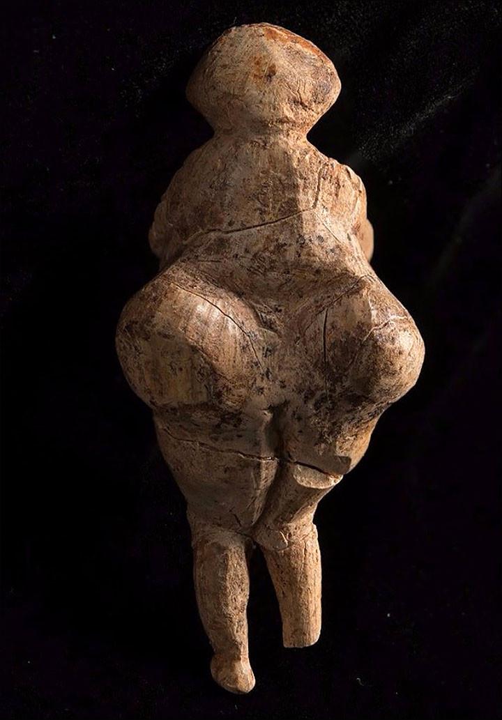 Bức tượng nữ thần Venus 23.000 năm tuổi ở Nga.