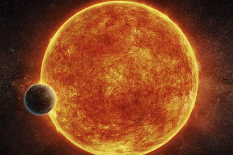 LHS 1140b quay quanh ngôi sao lùn lạnh.