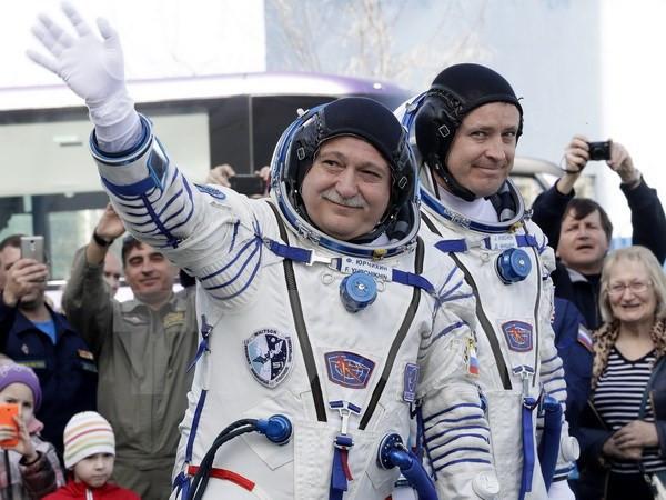Nhà du hành người Nga Fedor Yurchikhin (trái) và nhà du hành Mỹ David Fisher (phải)