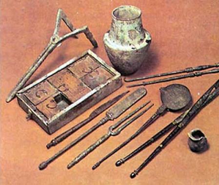 Những công cụ dùng để phá thai ngày xưa.