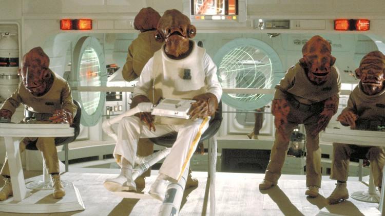 Có nhiều khả năng, người ngoài hành tinh sống dưới nước sẽ không đủ thông minh để chế tạo hoặc lái một chiếc phi thuyền.