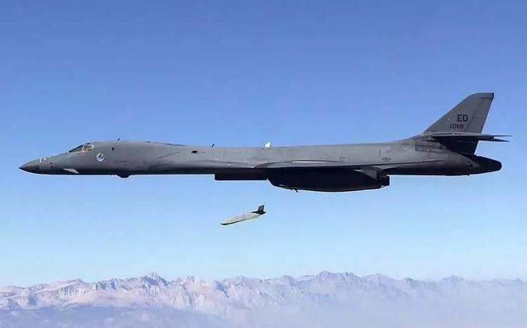 Tên lửa AGM-158 JASSM là một siêu phẩm của tập đoàn Lockheed Martin.