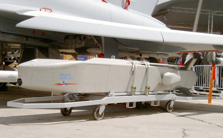 Tên lửa Taurus KEPD-350 là sản phẩm của liên doanh giữa Đức và Thụy Điển.