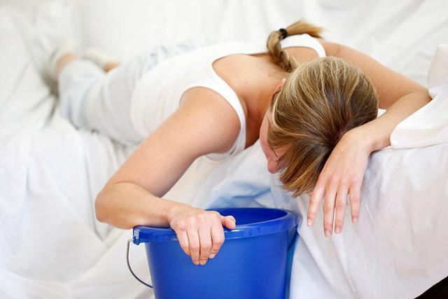 Dung dịch chứa phân khô hoặc lên men của một người khỏe mạnh dùng để điều trị một số bệnh như: tiêu chảy nặng, nôn, sốt và táo bón