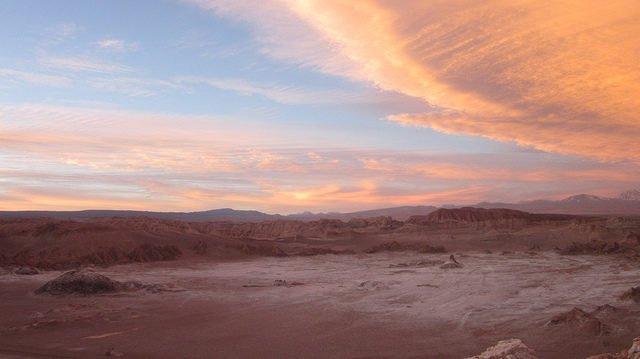 Atacama cách thị trấn Antofagasta 75 km về phía nam