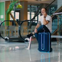 """Va-li """"tự hành"""" thông minh: Giải pháp cho dân cuồng du lịch"""