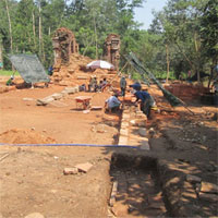 Phát hiện một đường cổ chìm trong lòng đất ở Thánh địa Mỹ Sơn