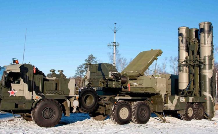 """S-400 là vũ khí phòng không chủ lực của Nga, với tính năng """"độc nhất vô nhị"""" trên thế giới."""