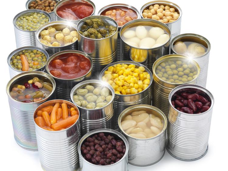 Thực phẩm đóng hộp cũng là một sự lựa chọn tuyệt vời cho những cuộc cắm trại.