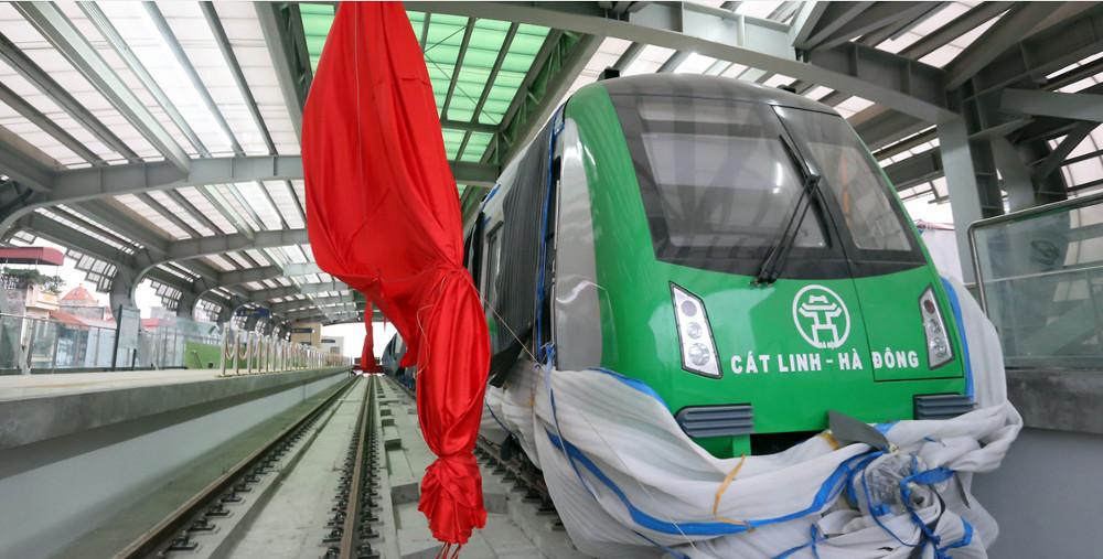 Đến ngày 3/5, nhà ga đầu tiên của tuyến tại La Khê (phường Quang Trung, Hà Đông) cơ bản hoàn thiện.