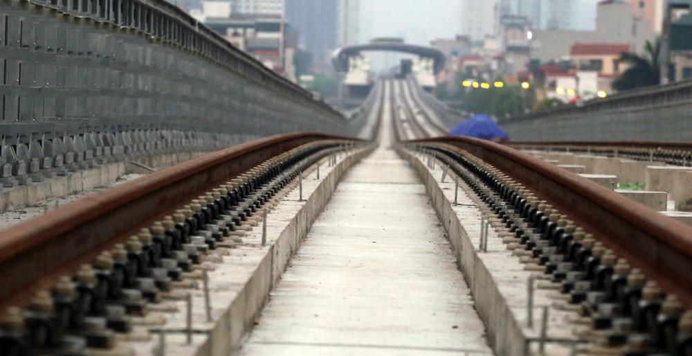 Hiện hơn 28.000m đường ray chính tuyến đã hoàn thành