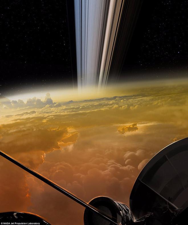 Hình ảnh khí quyển sao Thổ và vành đai gần nhất