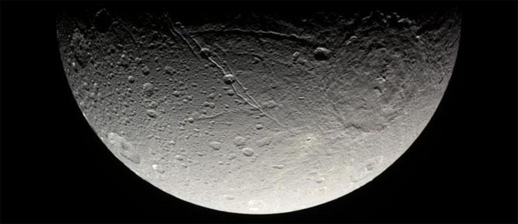 Hình ảnh Sao Thổ do tàu Cassini chụp lại.