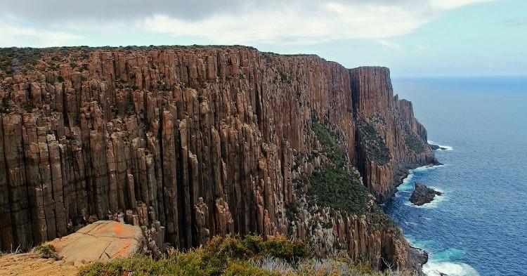 Các nhà địa chất học gọi cấu trúc cột đá kỳ lạ ở bờ biển phía nam bang Tasmania là các đolerit