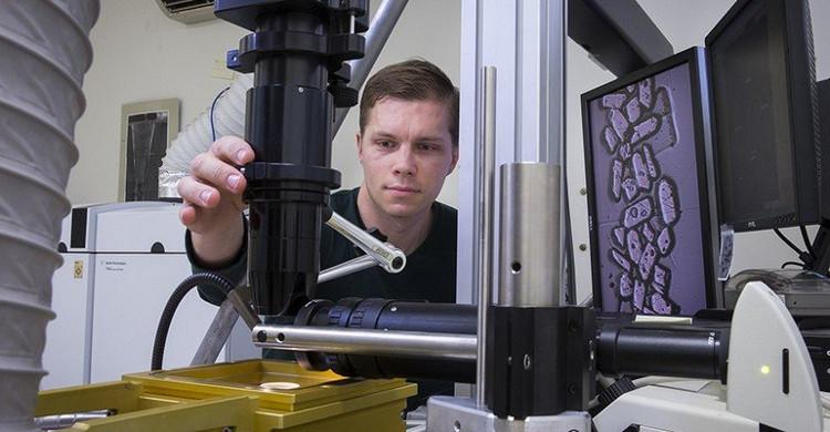 Người dẫn đầu nghiên cứu, Tiến sĩ Antony Burnham.
