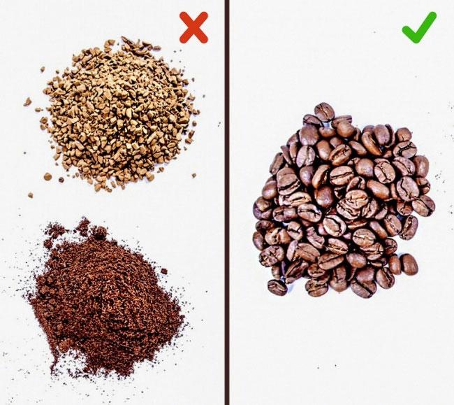 Để bảo vệ bản thân, hãy mua cà phê ở dạng hạt, rồi sau đó tự xay nhuyễn mỗi khi cần sử dụng.
