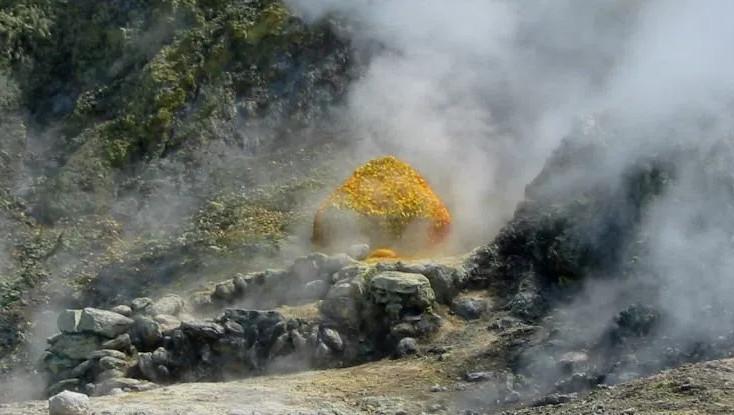Campi Flegrei - siêu núi lửa nguy hiểm nhất hành tinh hiện nay.