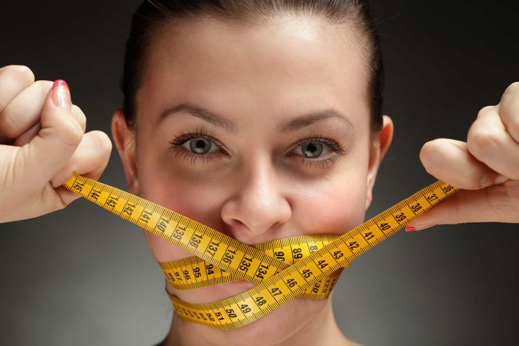 Ăn quá no hoặc nhịn ăn đều là lý do dẫn đến bệnh béo phì và tiểu đường.