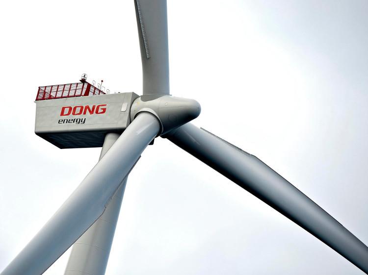Một tuabin điện gió của Công ty năng lượng Dong Energy (Đan Mạch).