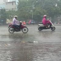 Giải mã Hà Nội mưa lạnh giữa mùa hè