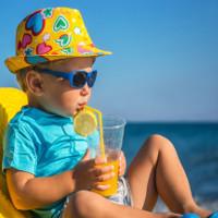 Dấu hiệu và cách xử trí khi trẻ bị say nắng