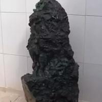 Thợ mỏ Brazil phát hiện khối ngọc bích quý nặng 3,6 tạ