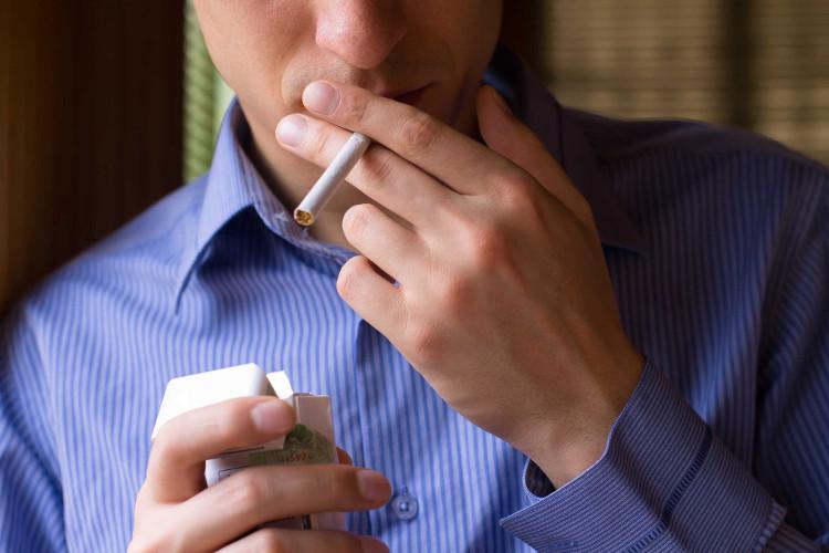 Có thể do di truyền, nhưng cũng do thói quen xấu như rượu bia, thuốc lá của nhiều người.
